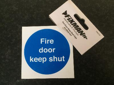 Fire Door Keep Shut Sign - 80mm x 80mm